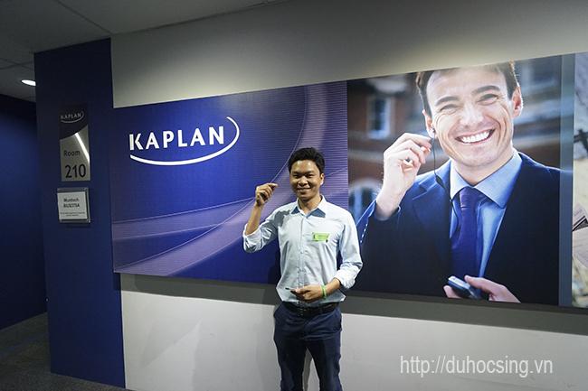 Anh Nguyễn Đăng Hiển - Giám đốc Eduzone trong một lần thăm và làm việc với trường Kaplan Singapore