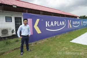 Anh Nguyễn Đăng Hiển - Giám đốc Eduzone thăm KTX trường Kaplan