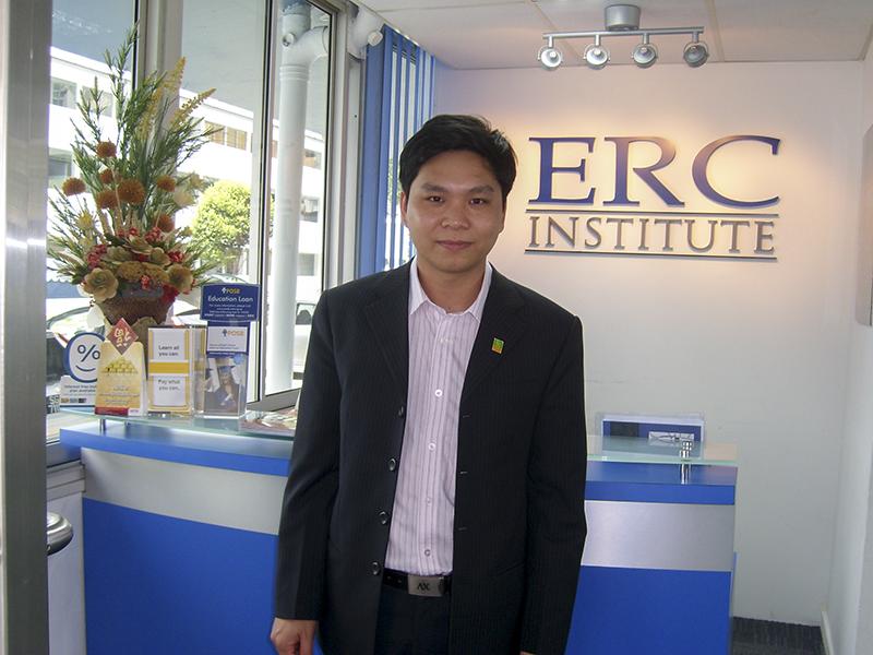 Anh Nguyễn Đăng Hiển thăm và làm việc với ERC Singapore