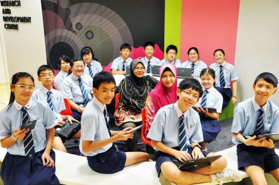 thi_vao_truong_cong_Singapore