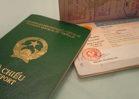 Hướng dẫn thủ tục cấp hộ chiếu cho trẻ em dưới 14 tuổi