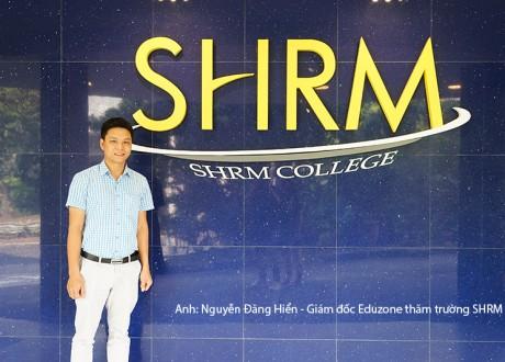 Hình ảnh Giám đốc Eduzone thăm trường SHRM Singapore