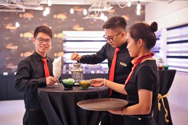 shrm-singapore-nha-hang