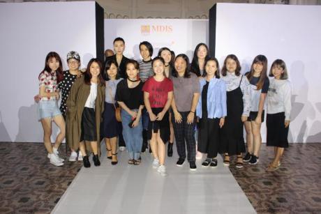 Khoa thiết kế thời trang MDIS gây ấn tượng trong lễ tốt nghiệp