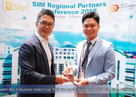 """Eduzone được trao danh hiệu """"Agent xuất sắc 2018"""" của Học viện SIM"""
