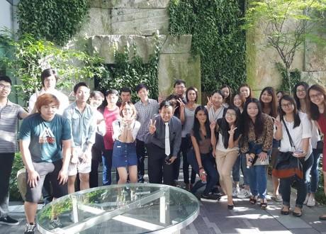 Hình ảnh sinh viên trường MDIS thăm quan khách sạn Hotel Jen Orchardgateway