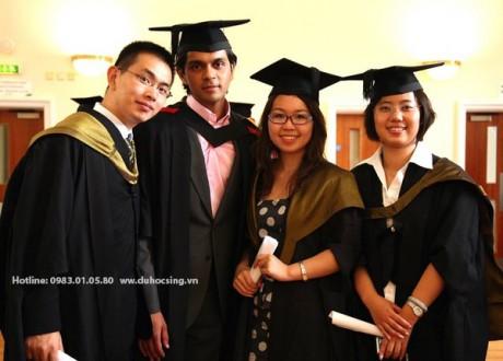 Cơ hội học chuyển tiếp cho sinh viên có bằng BTEC HND
