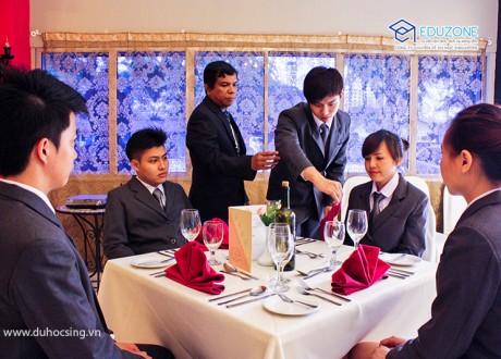 Cùng SHRM trải nghiệm môi trường làm việc 5 sao ngành Nhà hàng khách sạn